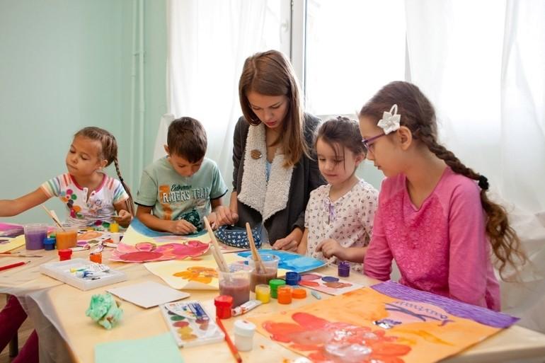 занятие по рисованию и живописи для детей